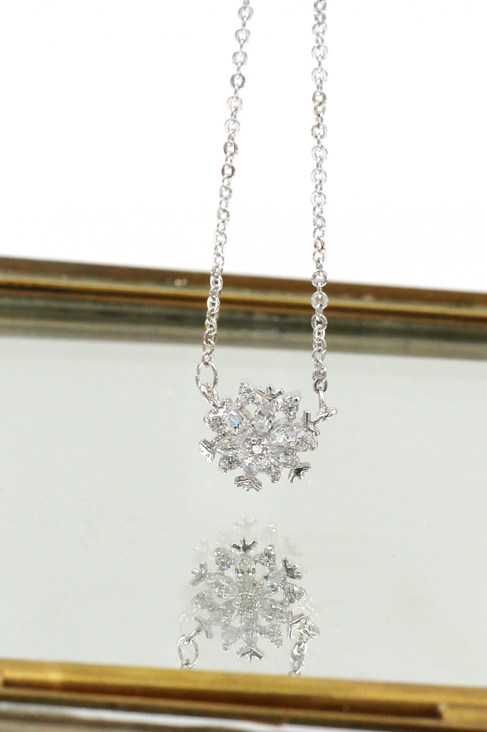 Mini snowflake crystal clavicle Sterling Silver Chain silver necklace