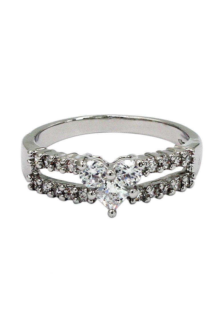 Lovely crystal heart silver ring