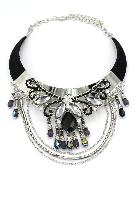 Elegant traditional exaggeration black necklace