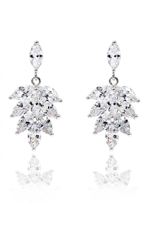 Elegant temperament crystal silver earrings