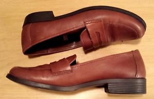 Merona Womens Brown Leather Loafers Shoes Size 10 Medium Cushion Sole Non Slip