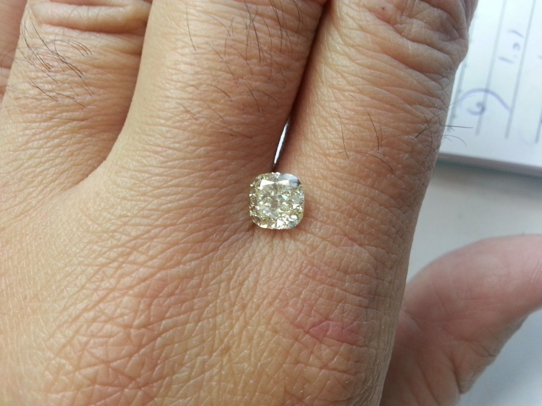 2.03 Carat Fancy Light Yellow Cushion VS2 100% Natural Diamond Non Enhanced Rare