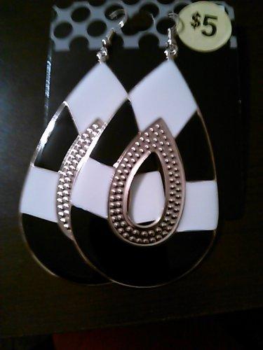 Black & White Oval Earrings