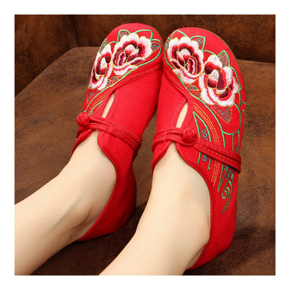 Camellia Old Beijing Embroidered Cloth Shoes