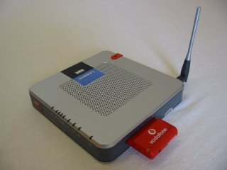 LINKSYS 3G/UMTS Broadband Wireless-G Router for (vodafone,TM) Australia - Model (WRT54G3G-AU)
