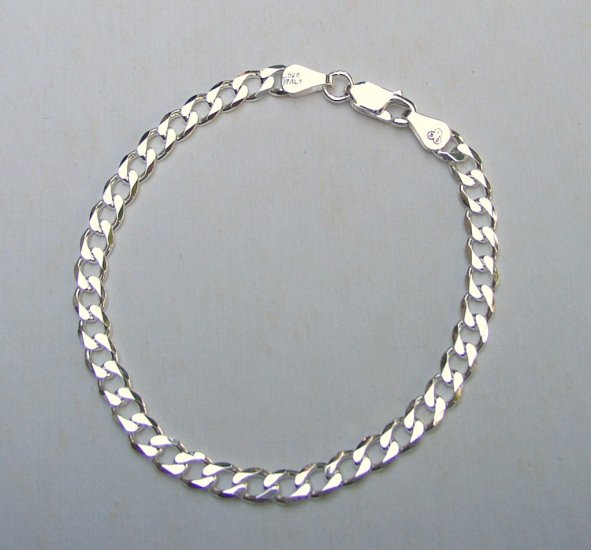 Attractive Sterling Silver Curb 8 inch Chain Bracelet