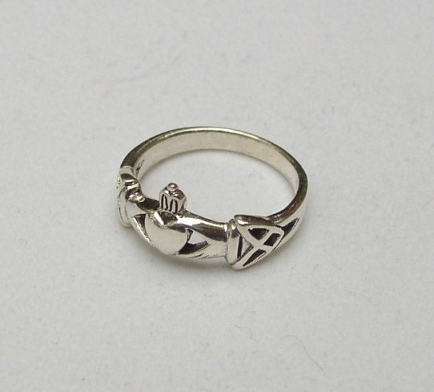 Sterling Silver Claddagh Ring Size 6