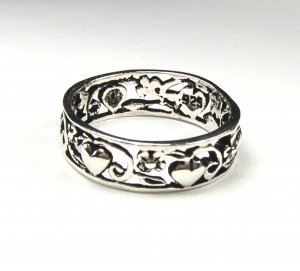 Sweet Sterling Silver Hearts and Flowers Ring size 6