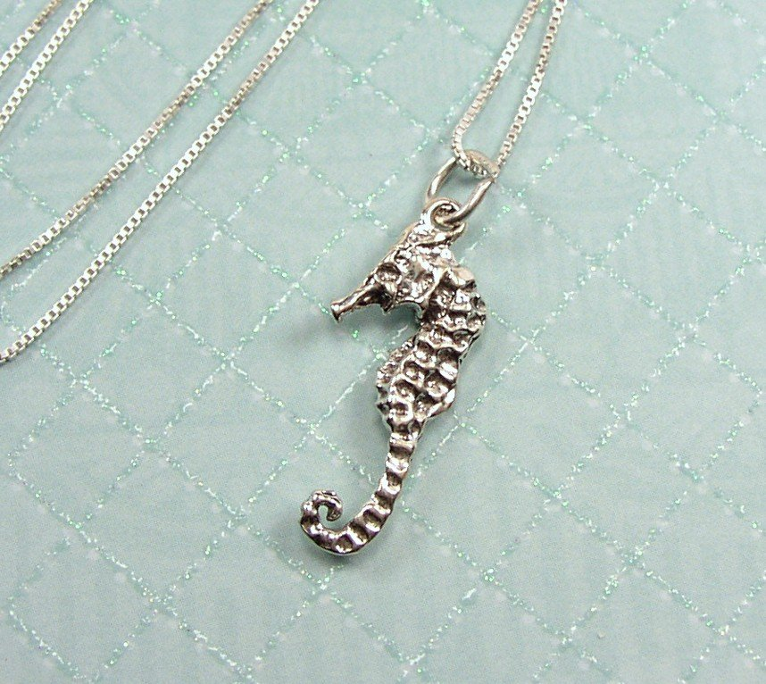 """Sterling Silver Seahorse charm and 18"""" chain"""