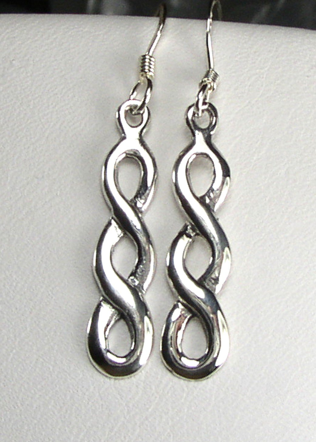 Attractive Sterling Silver Celtic endless knot Earrings