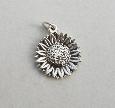 Pretty Sterling Silver Sunflower Pendant and Chain