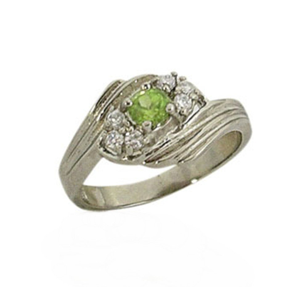 Sterling silver ring with a genuine Peridot Stone in size 6