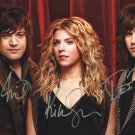 THE BAND PERRY - WONDERFUL HAND SIGNED BY ALL MEMBERS AUTOGRAPHED PHOTO WIH COA