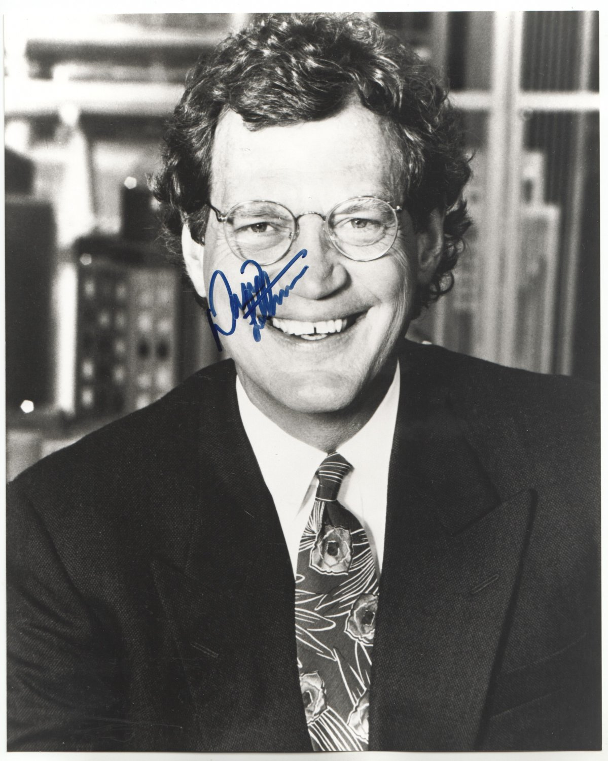 DAVID LETTERMAN - COMEDIAN/LATE NIGHT TALK SHOWS - HAND SIGNED AUTOGRAPHED PHOTO WITH COA
