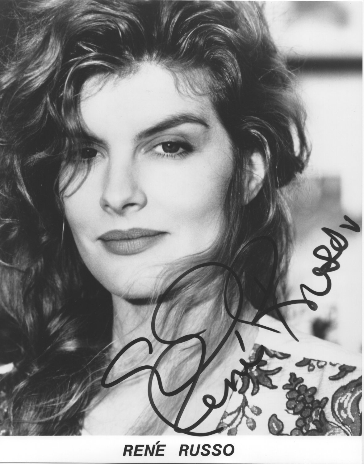 RENE RUSSO - STUNNING ACTRESS - HAND SIGNED AUTOGRAPHED PHOTO WITH COA