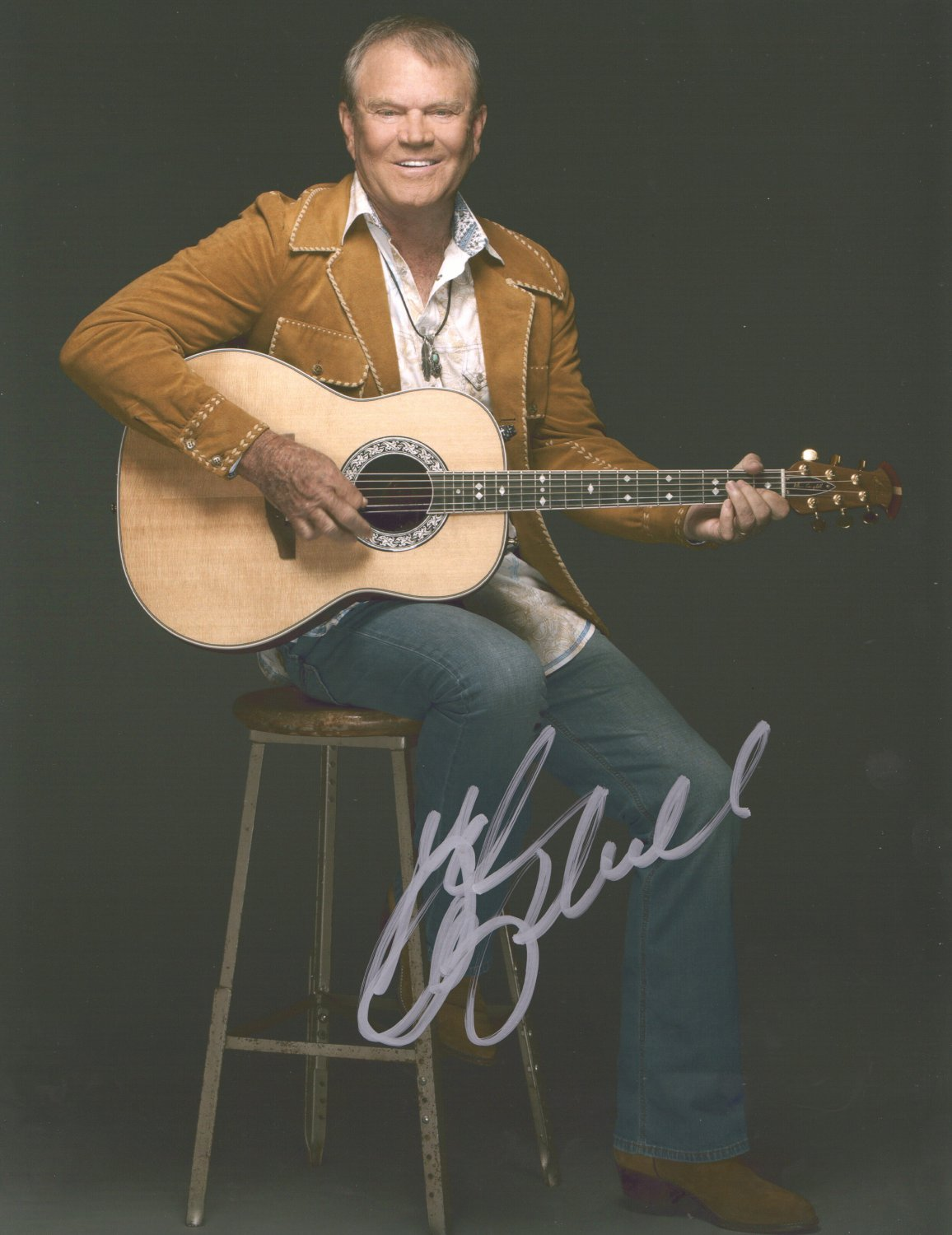 GLEN CAMPBELL - UPCLOSE COUNTRY LEGEND - HAND SIGNED AUTOGRAPHED PHOTO WITH COA