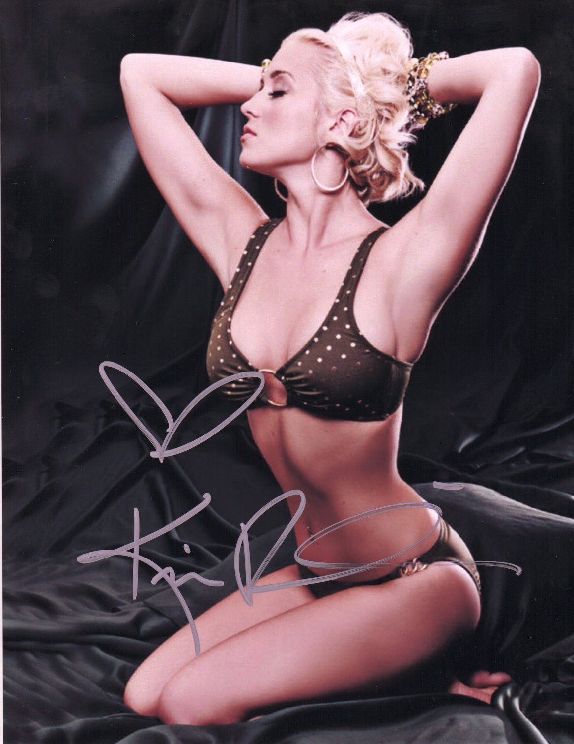 KELLIE PICKLER - SEXY COUNTRY STAR - HAND SIGNED AUTOGRAPHED PHOTO WITH COA