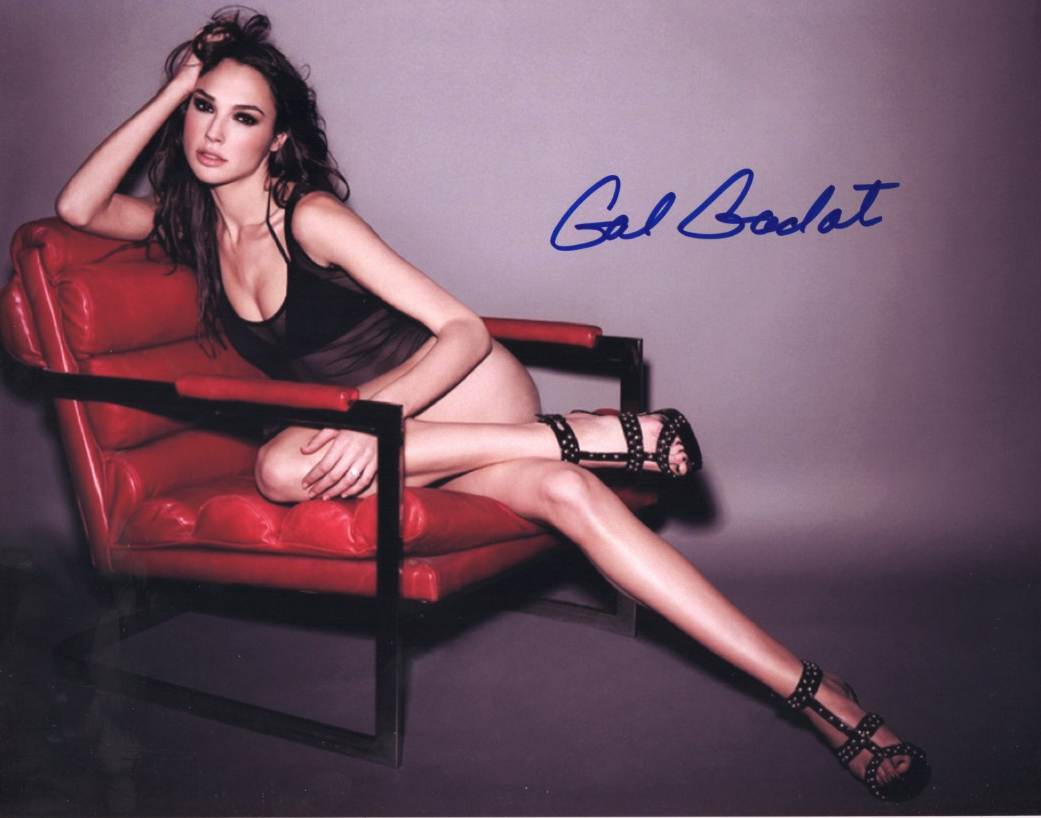GAL GADOT - ULTRA SEXY STAR - WONDER WOMAN - HAND SIGNED AUTOGRAPHED PHOTO WITH COA