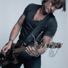 KEITH URBAN - HANDSOME SEXY SINGER HAND SIGNED AUTOGRAPHED PHOTO WITH COA