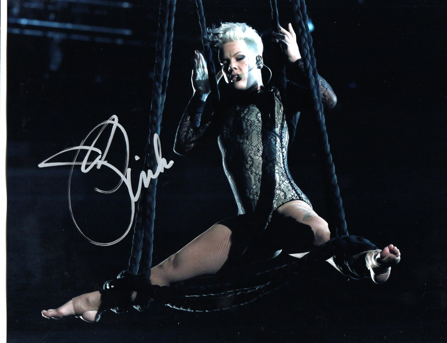 PINK - OUTRAGIOUS SINGER -- HAND SIGNED AUTOGRAPHED PHOTO WITH COA