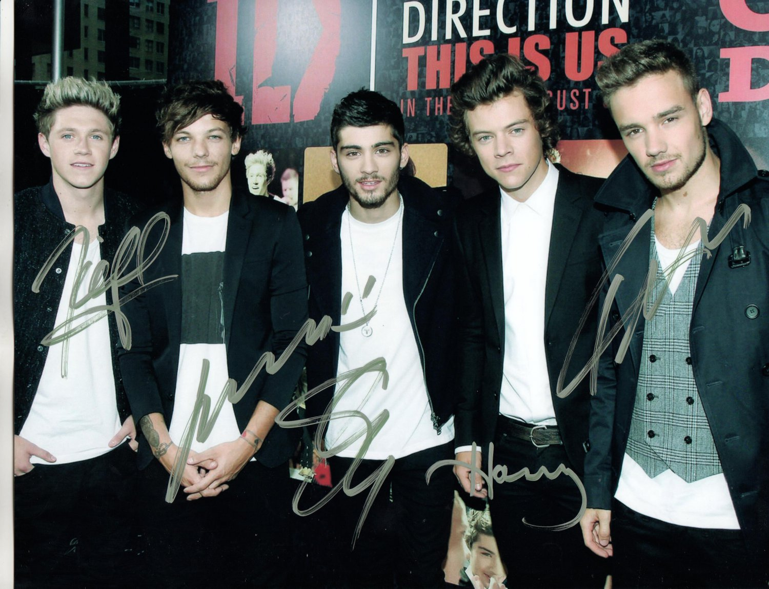 ONE DIRECTION BAND - COMPLETE ORIGINAL MEMBERS - ALL HAND SIGNED AUTOGRAPHED PHOTO WITH COA