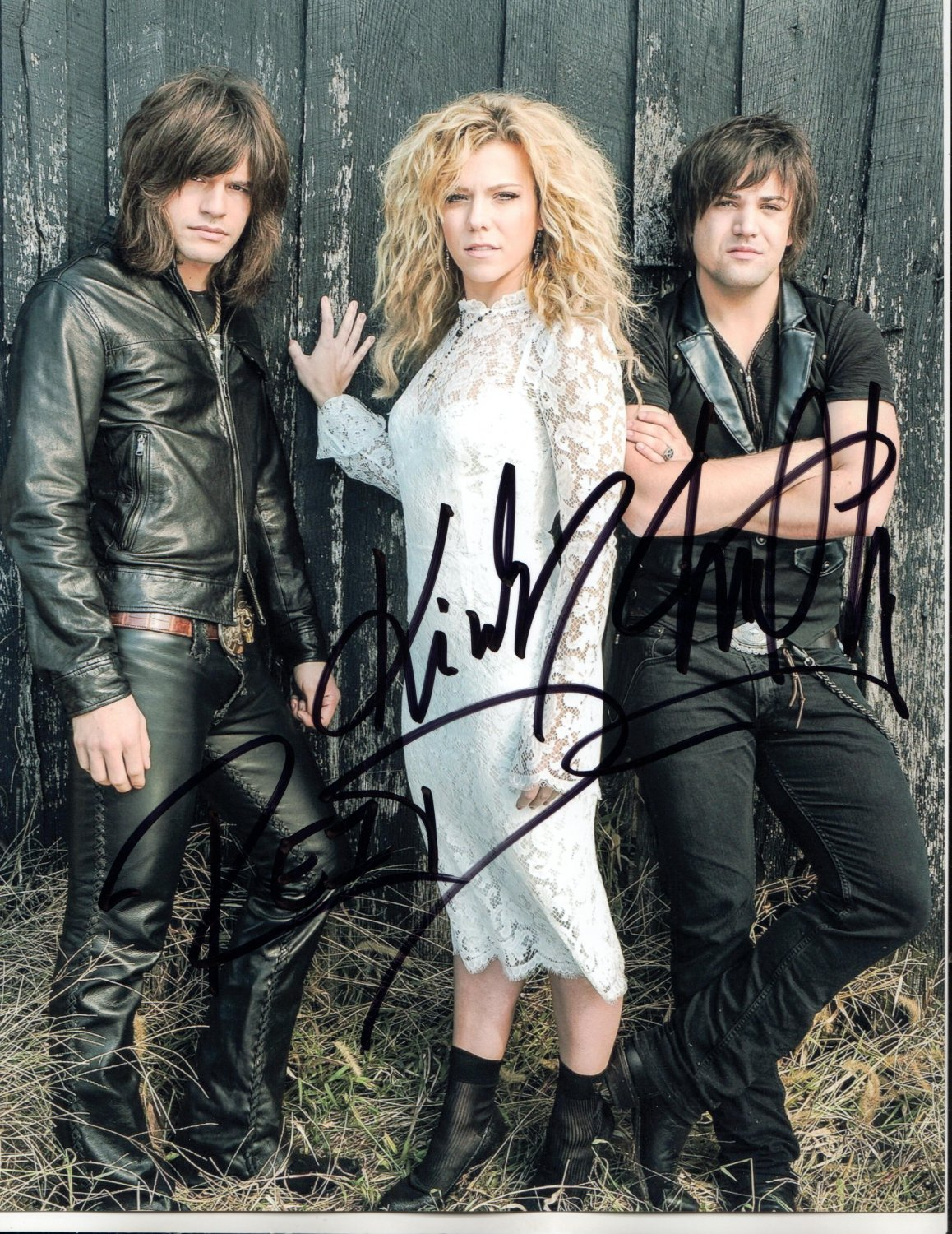 THE BAND PERRY - WONDERFUL ALL MEMBERS HAND SIGNED AUTOGRAPHED PHOTO WIH COA