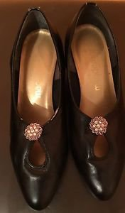 VGC California Magdesians Black Leather Mules SZ 35.5 Made in USA