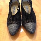 VTG VITTORIO RICCI black suede black leather with gold pin dot detail pumps SZ 7