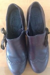 VGC Born Brown Leather Clogs w/ Bow Detail  SZ 8/39 Hand Crafted