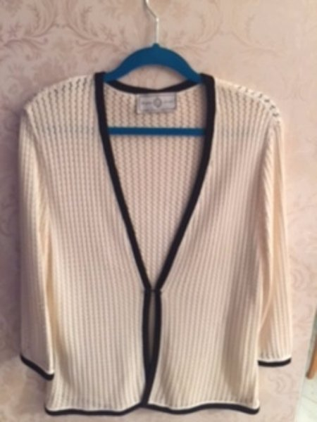 ST. JOHN SPORT  MARIE GRAY Wool Blend Cream & Black Lining Knit Sweater SZ M