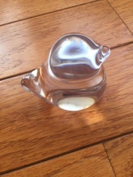 EUC DAUM FRANCE Crystal Glass Bird Sculpture Paperweight 3'' Height SZ small