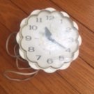 Vintage GENERAL ELECTRIC white daisy kitchen wall clock Retro Kitsch Tested Work