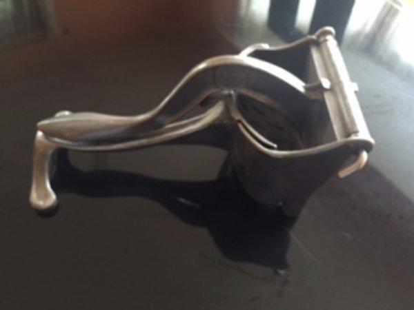 VTG WEAR EVER Cast Aluminum Hand Juicer Press Strainer USA Primitive Kitchenware