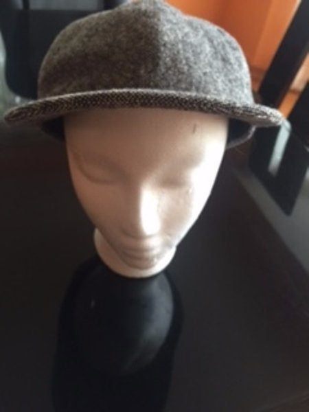 NWOT PURE WOOL SAKS FIFTH AVENUE New York Gray 100% Wool Cap SZ 57/7 1/8 M ITALY
