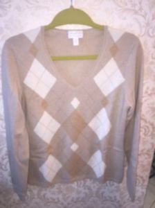 NWOT Charter Club 100% Cashmere Beige Cream Diamond Pattern V Neck SZ M
