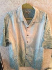 EUC TOMMY BAHAMA Light Blue & Cream Leaves Silk Button Down Shirt SZ L Floral