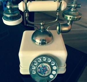 VTG Cream Rotary Dial Phone Shaped Radio 6 Transistor by Four Star Japan