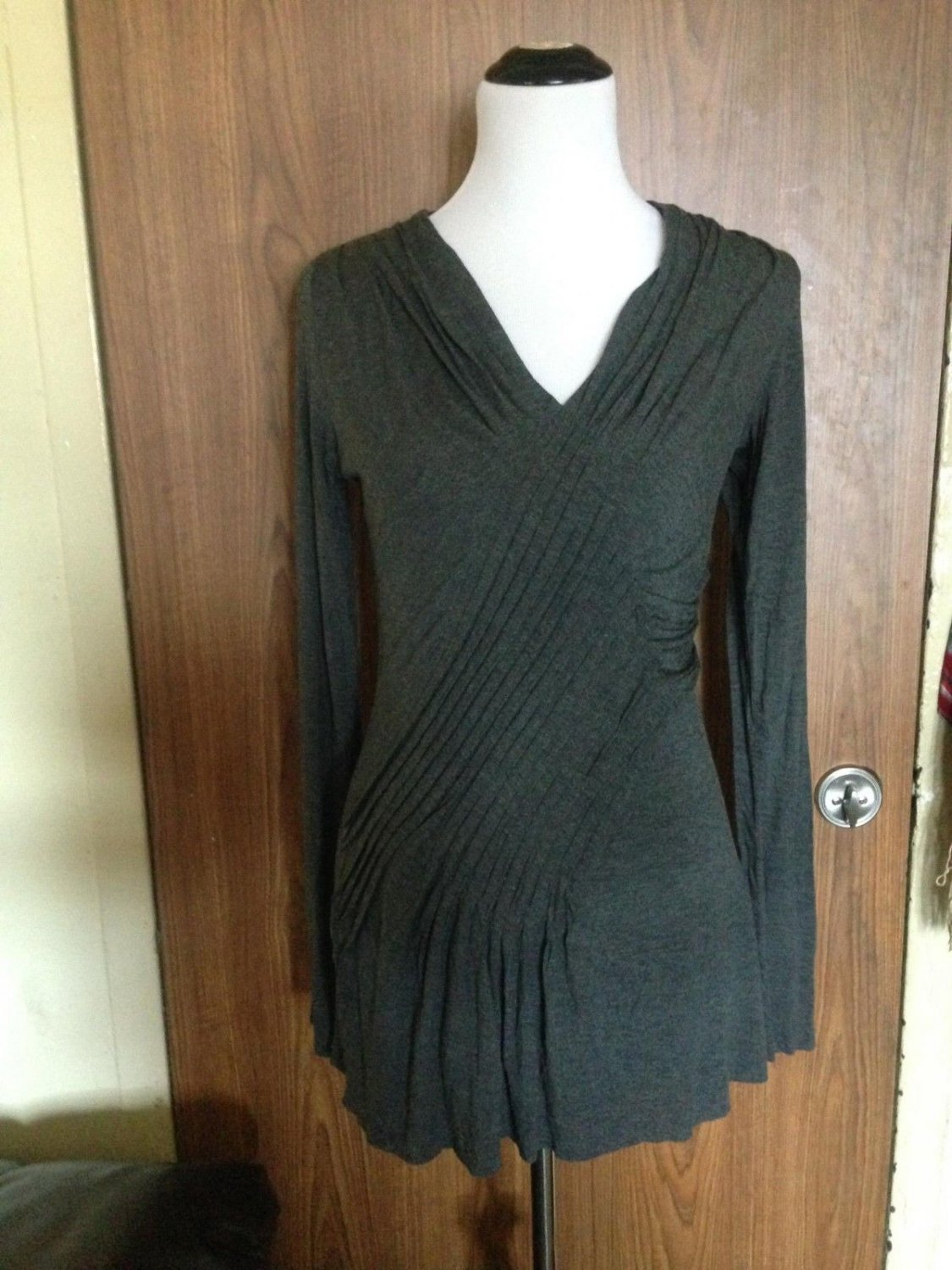 Anthropologie Bailey 44 Gray Bodycon Dress SZ M Made in USA Ruffle Detail Career