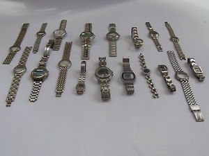 Lot of 18 (1100gr} old different used watches & straps for parts only