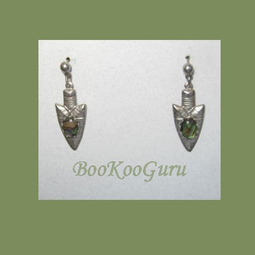 Arrowhead Earrings, Green Swirl Mother of Pearl Center Stone, Southwest Style, Vintage Jewelry