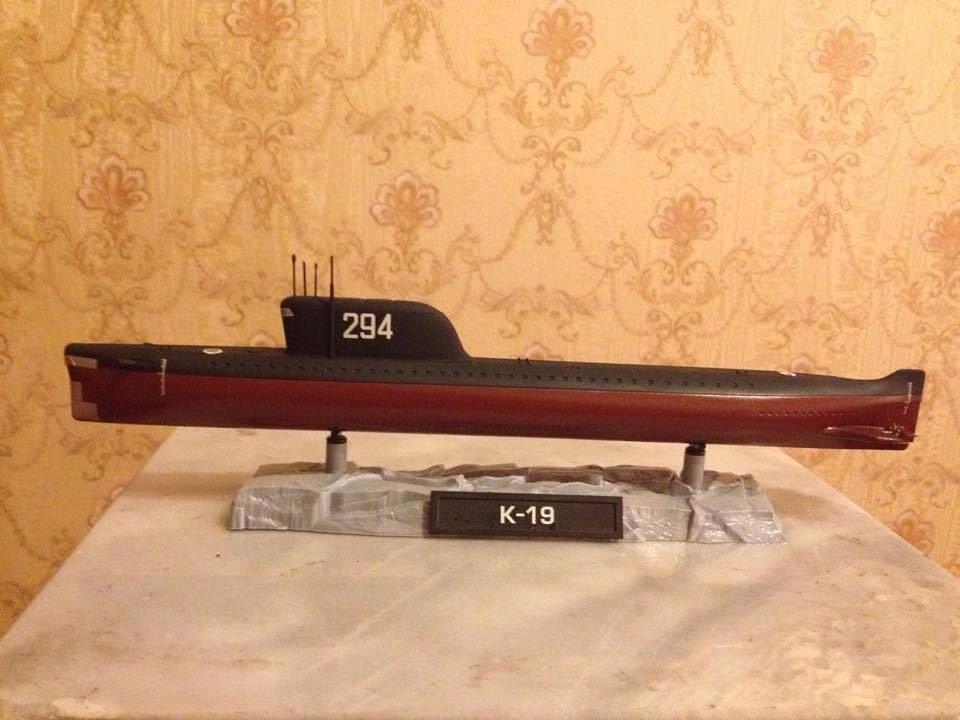 1:350 Soviet K-19 submarine complete model
