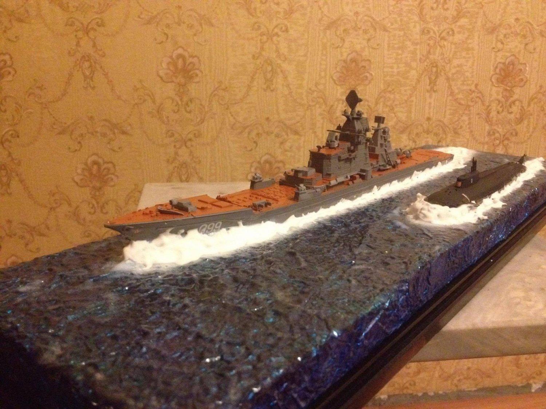 Soviet/Russian Battlecruiser ship Pyotr Velikiy Kirov class and submarine Kursk