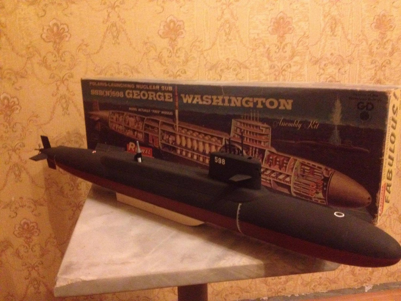 1:200 USS George Washington class submarine vintage 1960 year complete model