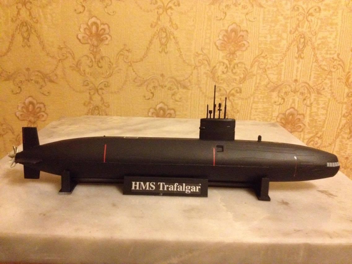 1:350 Great Britain Trafalgar class submarine complete model