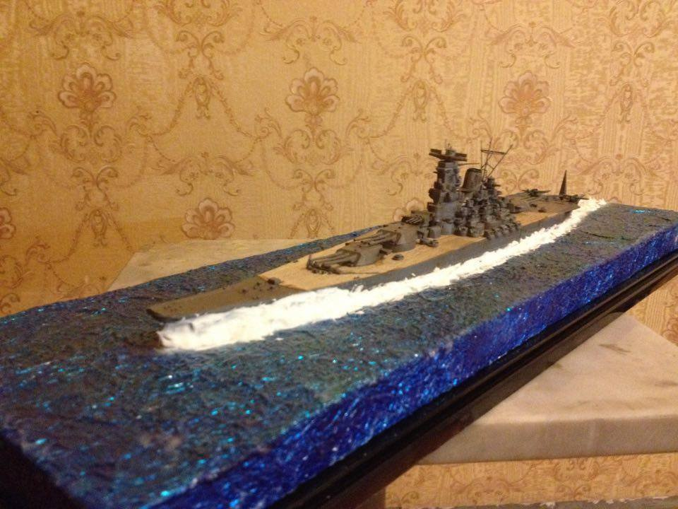 Japan Navy Battlecruiser ship Yamato class with diorama and wooden deck 1:700