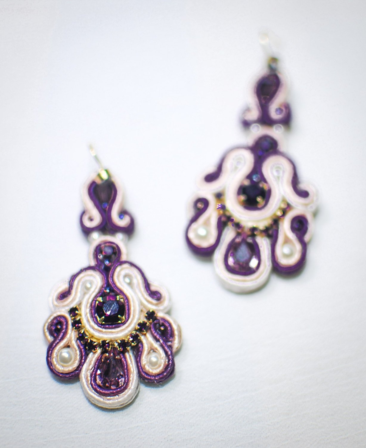 Soutache dangle earrings, Violet and white earrings with Swarowski, Embroidered earrings