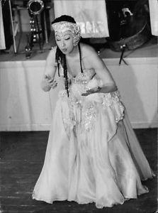 Josephine Baker puckering.  - 8x10 photo