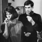 Sophia Loren eating.  - 8x10 photo