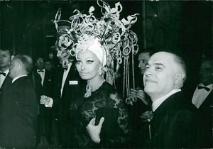 Sophia Loren in her costume, before her performance. - 8x10 photo