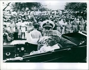 Karachi, 14th August 1947. The viceroy with the first Governor General of the Do